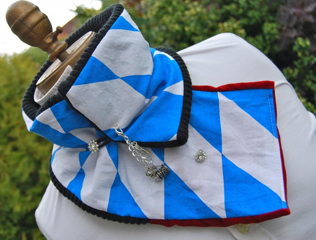 Bavaria Scarf Diamonds and Charms